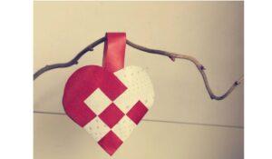 Läs mer om artikeln Klassiskt flätat julhjärta