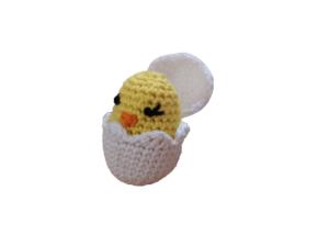 Virkad kyckling i ägg. Amigurumi
